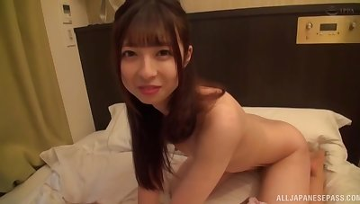 Snug bosom Japanese chick fucked in say no to shaved pussy on along to bed