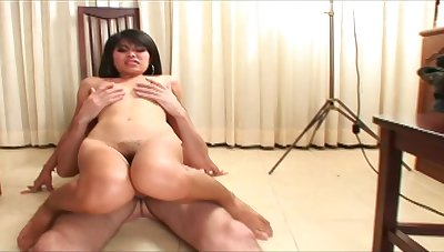 Close back amateur video of Thai hooker Beer - BKK having sex