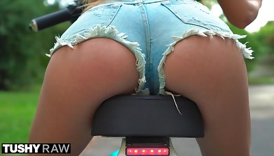 Tushy Raw Anal she Wanted the Biggest Dick she could Find in their way Ass