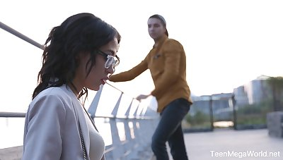 Dude picks up nerdy babe everywhere glasses Kris the Foxx and fucks her everywhere mouth and pussy