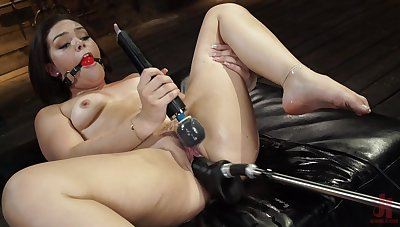 Kimber Woods fucked hard wide of a gadgetry during riveting just play